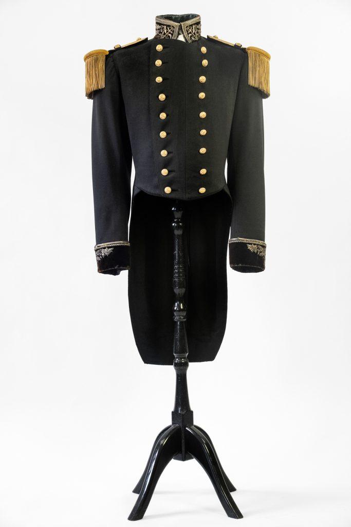06 Habit de grande tenue de commissaire de 1ère classe de la Marine -1902
