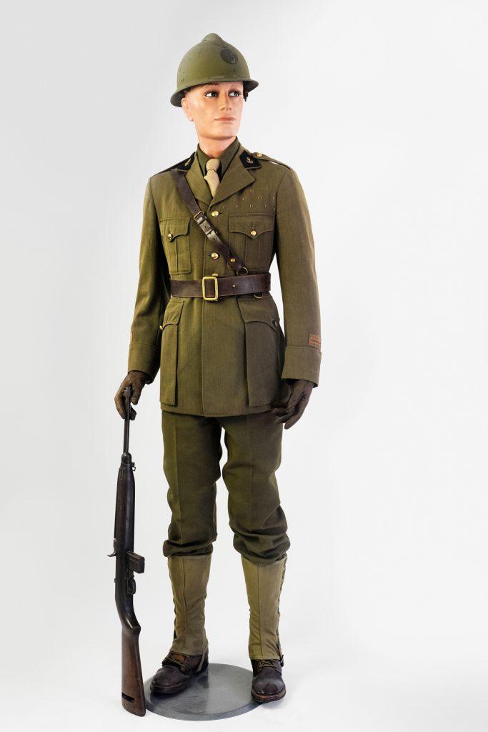 12- Tenue de campagne d'officier d'administration – 1944